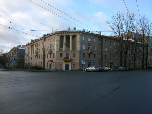 ул. Курчатова 8/ул. Жака Дюкло 2