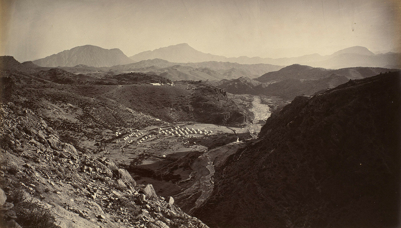 04. Британский военный лагерь на Шагайских высотах. Вид из крепости Али Масджид