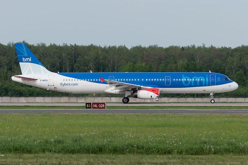 Airbus A321-231 (G-MEDG) BMI DSC0409