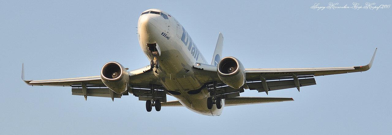 Boeing 737-524 UTair VP-BXR.JPG