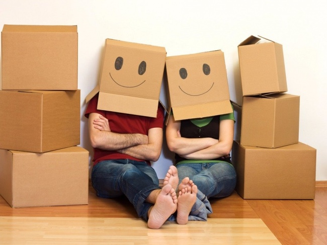Нет смысла хранить коробки откупленных предметов— выкидывайте ихсразуже после доставки. Нет, они
