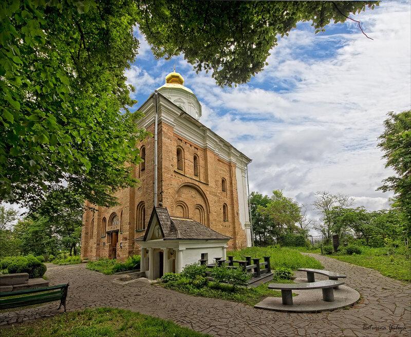 В Выдубицком монастыре
