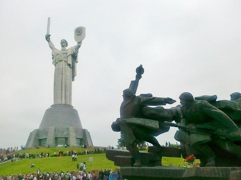 Национальный музей ВОВ в День Победы 2012