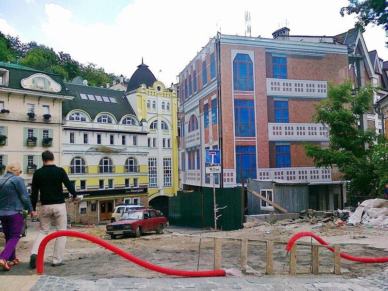 Нарисованный дом на Андреевском спуске