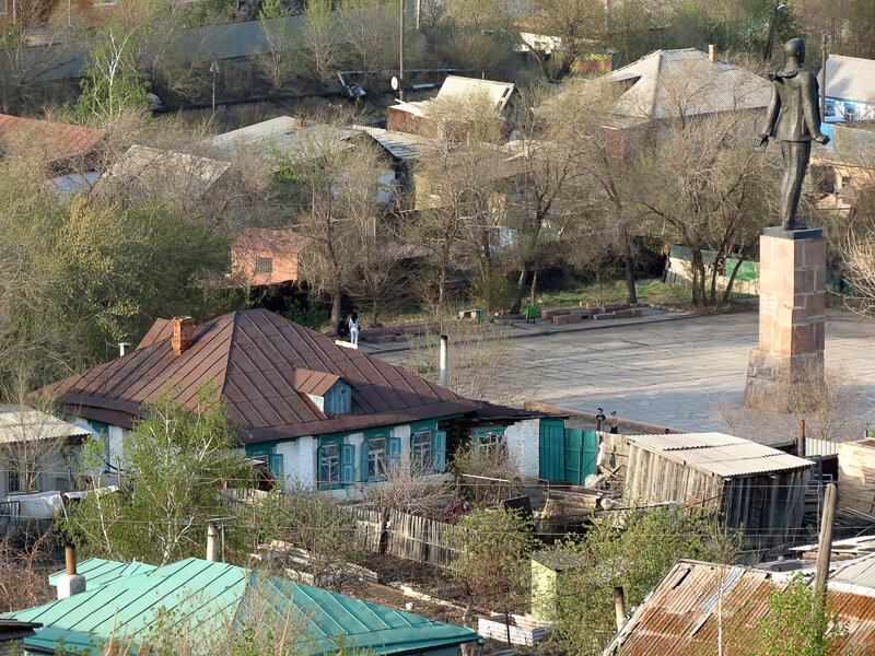 Старый город, памятник В.В.Куйбышеву на ул.Абая - 2012 год. Комментарии к фото - Кокшетау Онлайн