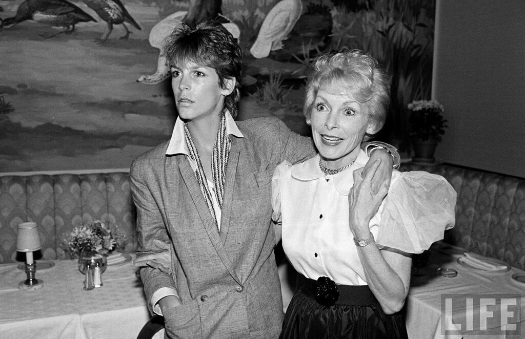 Jamie Lee Curtis and Janet Leigh 1983