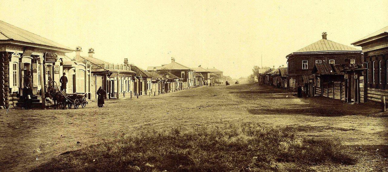 Перспектива Больше-Качинской улицы от Театрального переулка в направлении на восток. Конец 1880-х