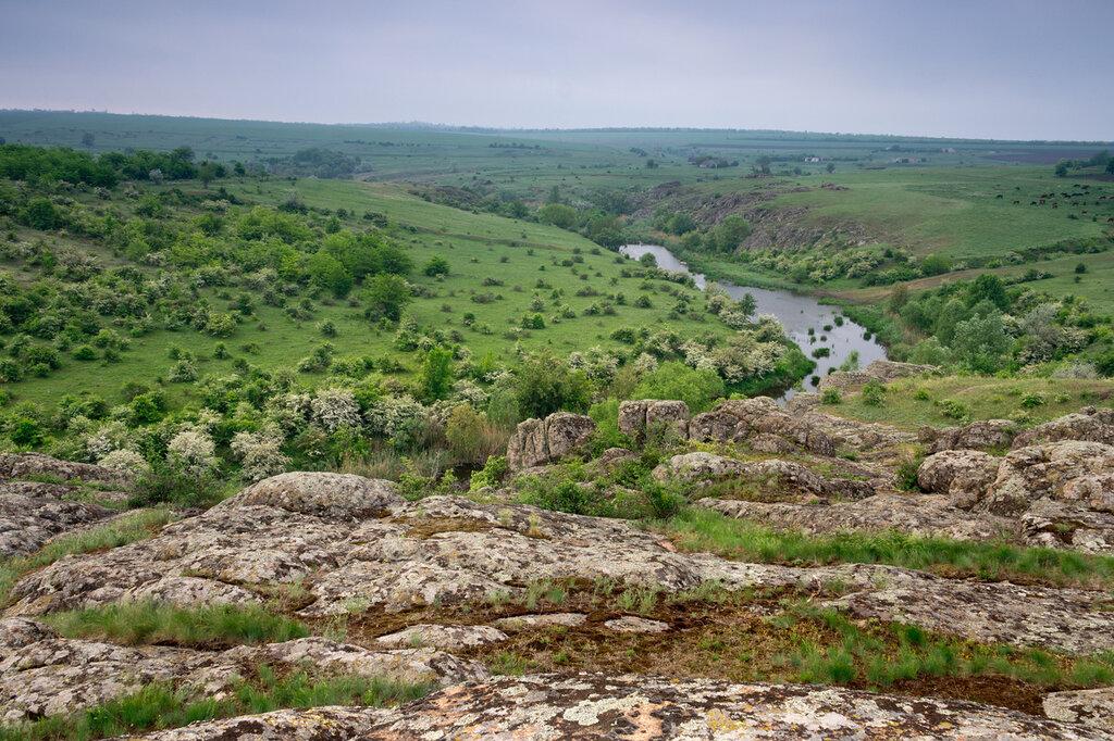 Природный комплекс Актовского каньона, как и прибрежная территория Мертвовода, входит в состав Национального...