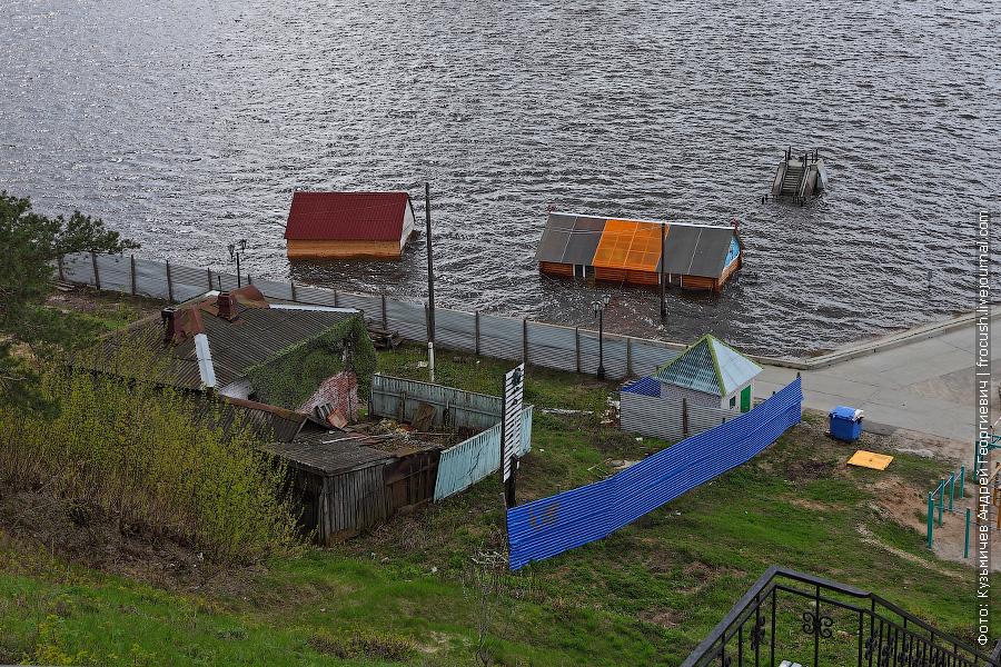 затопленная пристань в Городце