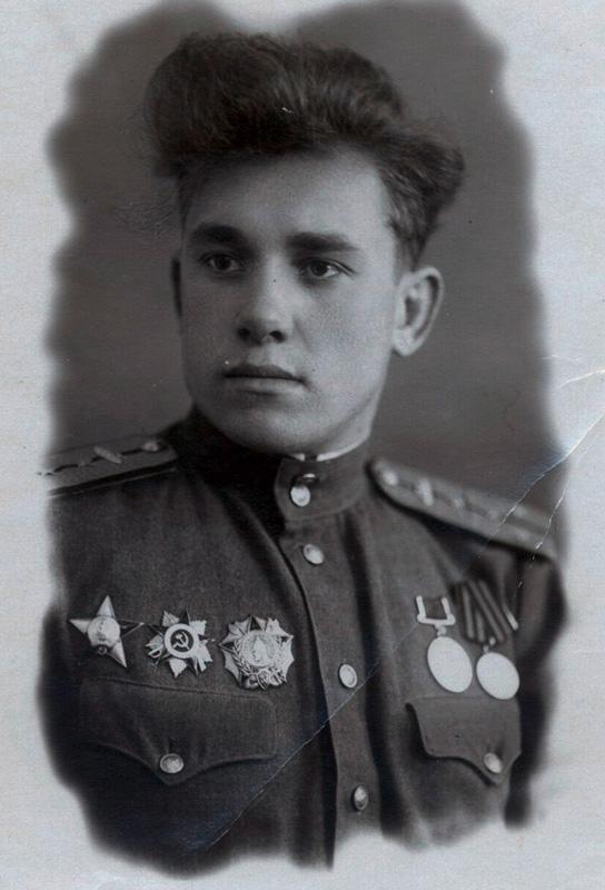 замком-танкбат-Москва-4.12.1945.jpg