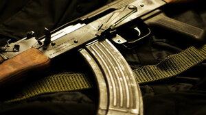 В Кишиневе мужчина автоматом угрожал сотрудникам ТЦ