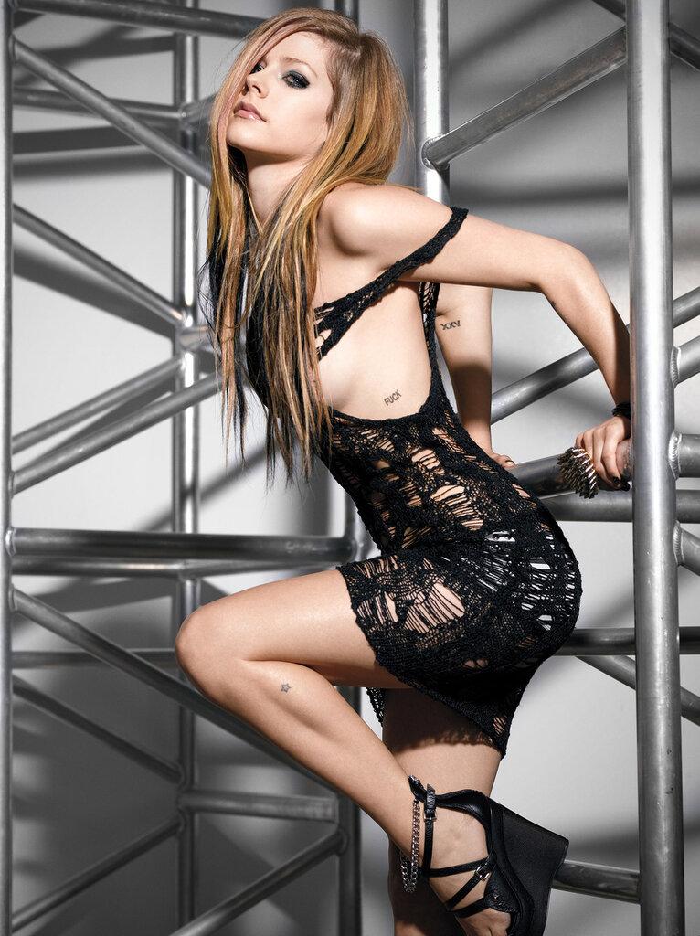 Аврил Лавин (Avril Lavigne) ноябрь 2010