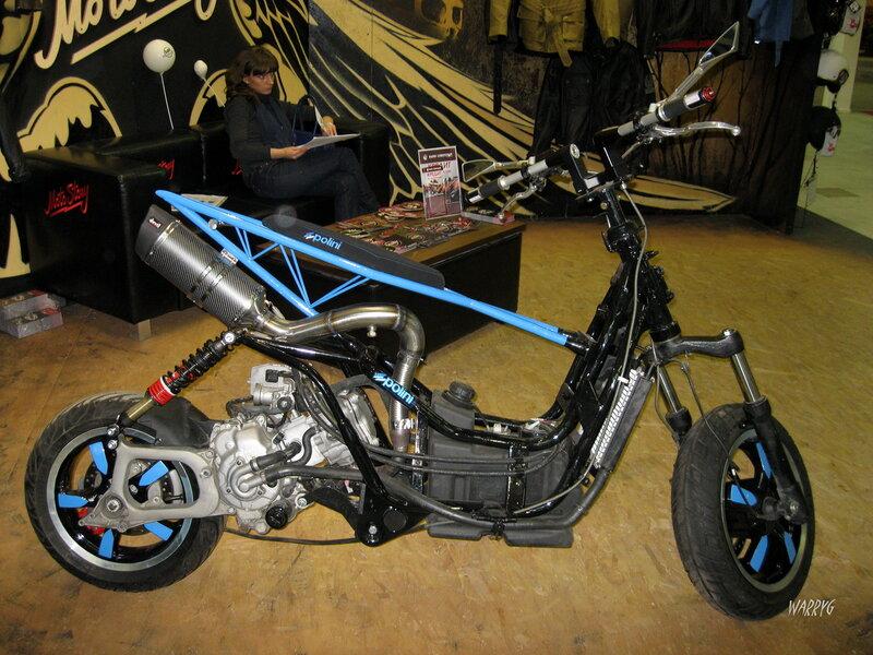 Мотосалон IMIS-2012 в «Гарден Сити». Детский кроссовый мотоцикл Polini.
