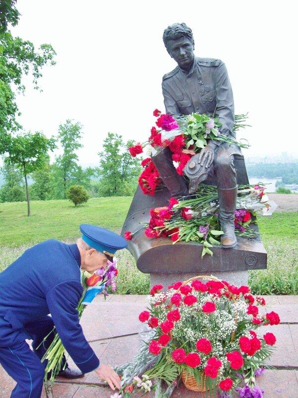 Памятник Маэстро - капитану Титаренко