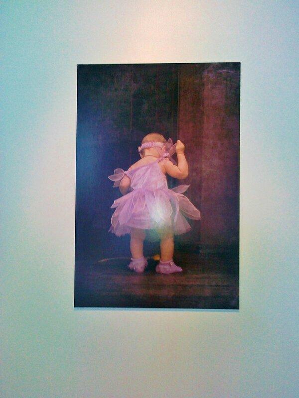 Одна из работ фото-выставки под Гаванским мостом