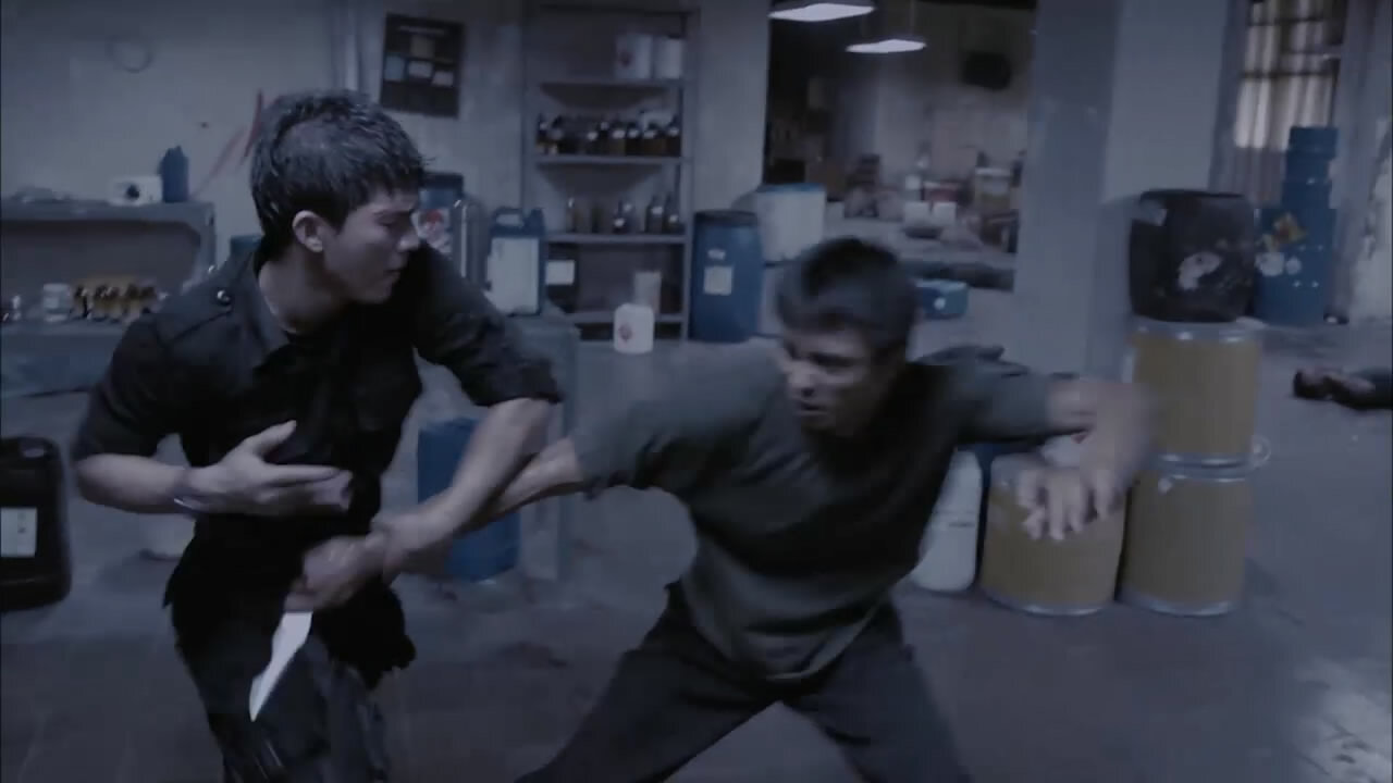 Рейд / The Raid: Redemption  (2011) HDTVRip 720p (2.27 GB)