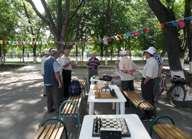 Шахматные соревнования, в честь Дня Победы, 2012-05-08 ... В прекрасные майские дни, празднуя великую Победу... SAM_8187.jpg