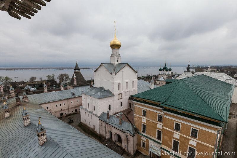 Церковь Спаса на Сенях. Ростовский кремль.