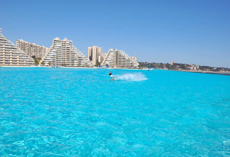 San Alfonso del Mar istorija prasideda 1997 metais, kai Fernando Fishmanas nusprendė vystyti turistinį nekilnojamojo turto projektą Algarrobo mieste.
