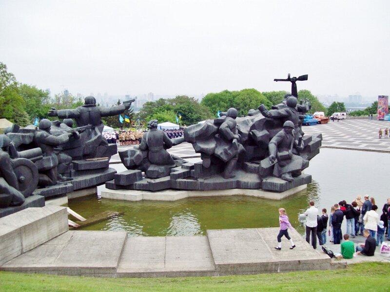 Скульптурная композиция в музее ВОВ