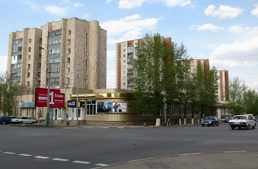 Кокшетауские небоскрёбы, ул Габдуллина - Абая - 2012. Комментарии к фото - Кокшетау Онлайн