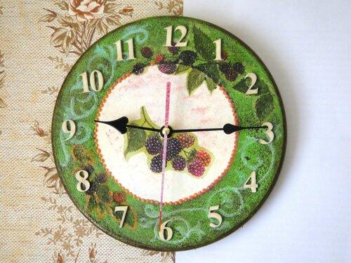 часы с ежевикой