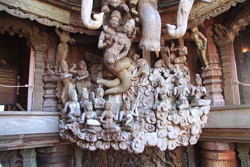 деревянный храм истины фото