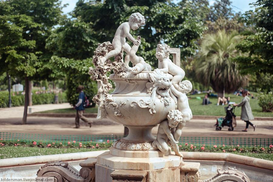 Памятник в Барселоне