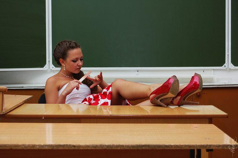 фото выпускниц у которых видно нижнее белье