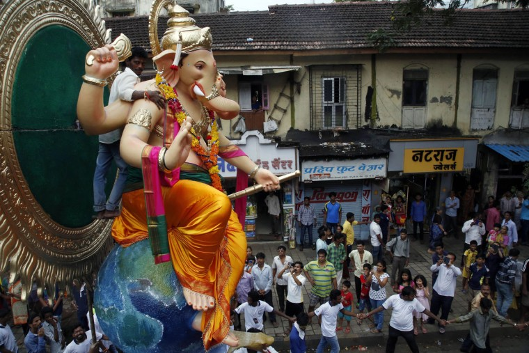 В Индии празднуют День рождения Ганеша 0 1454ce 9c2381e1 orig