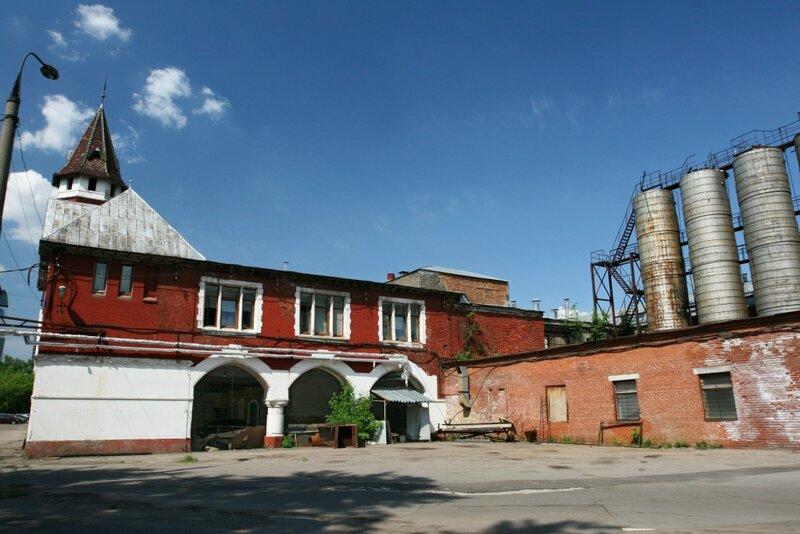 Восточное крыло Бадаевского завода