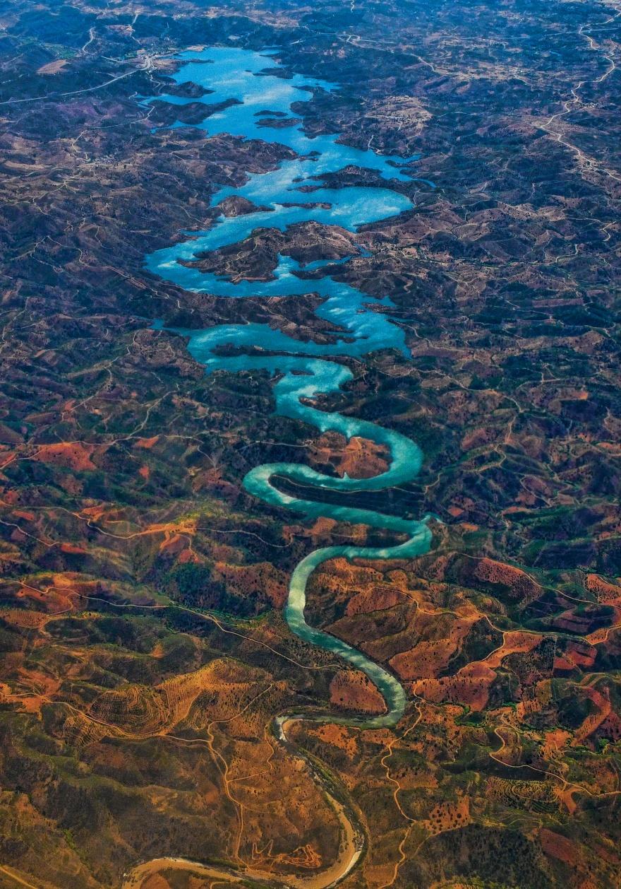 Река Оделейте протекает в Португалии и берет начало в горах Сера-де-Калдейран. После того как в сеть