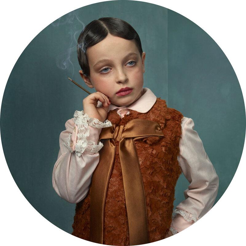 """Frieke Janssens, арт-проект """"Курящие дети""""."""