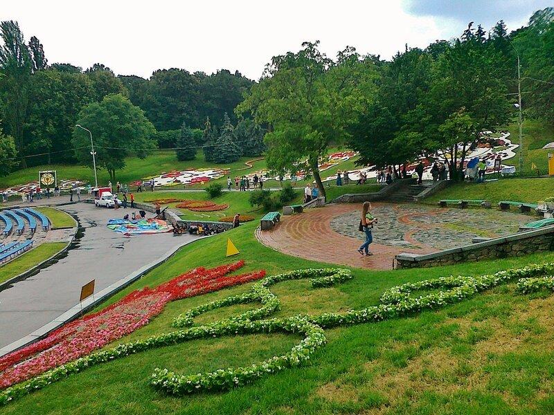 Певческое поле и выставка цветов к Евро 2012