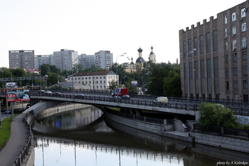 Вид с Лефортовского моста