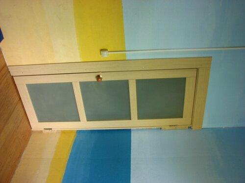 Дверь в комнату. Западная стена