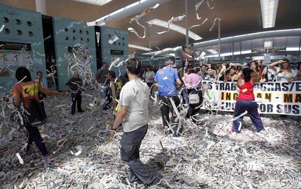 В аэропорту Барселоны творится хаос