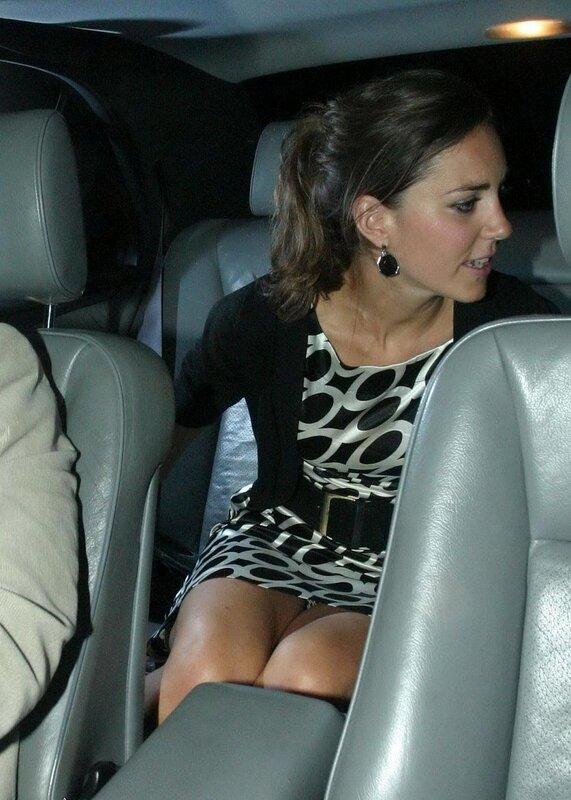 Папарацци так и норовят заглянуть под юбку Кейт Миддлтон