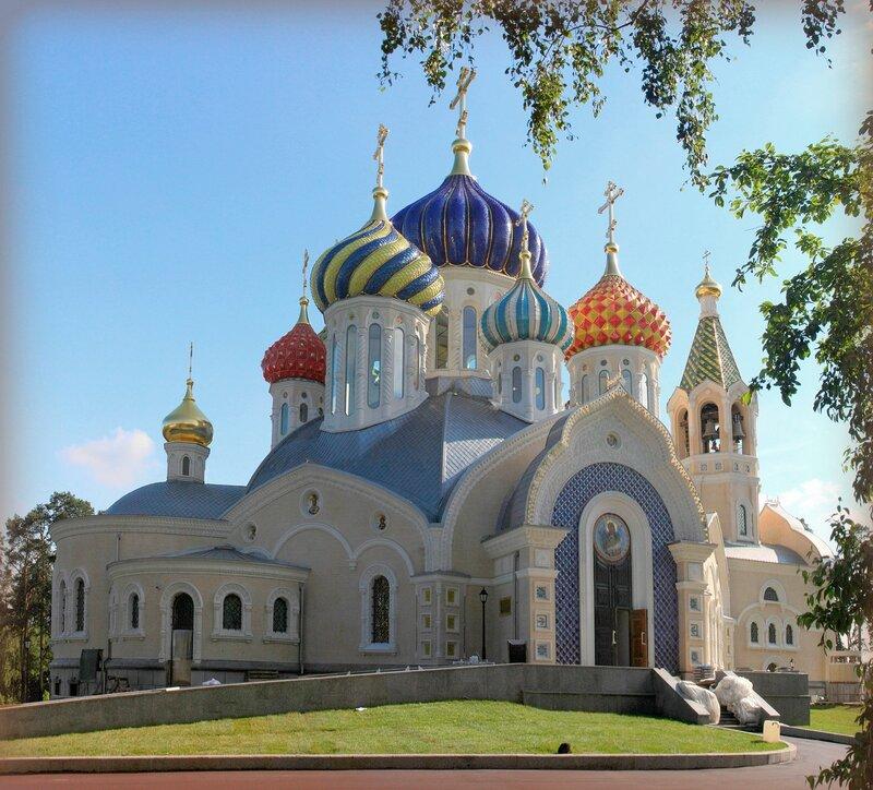 Храм Святого князя Игоря Черниговского и Киевского в Переделкино.