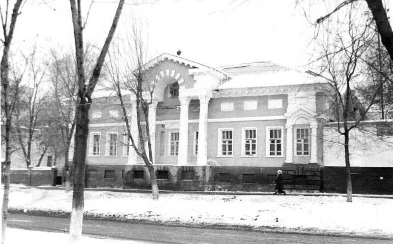 Дом Селиванова в середине 1980-х.