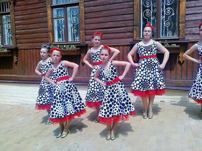 Детский фольклорный ансамбль на открытии Андреевского спуска