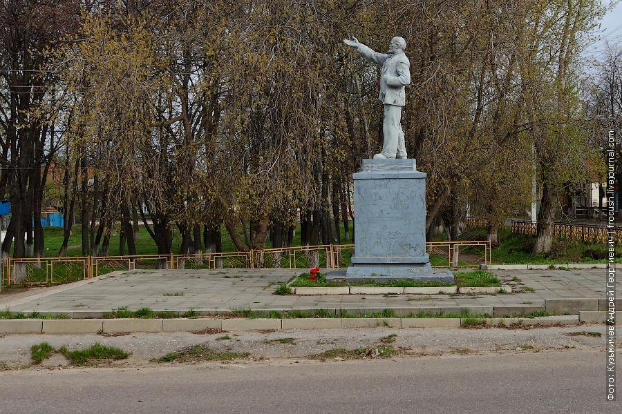 памятник В.И.Ленину в Козьмодемьянске