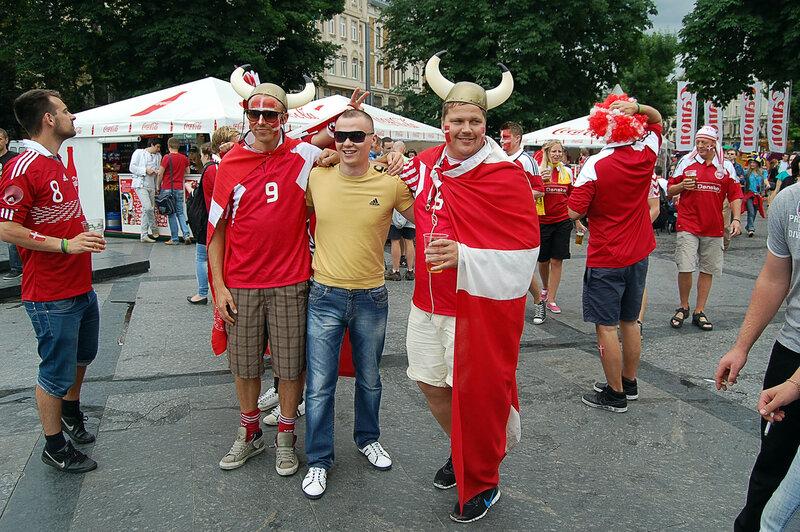 Львов-Евро-Петед матчем Дания-Португалия