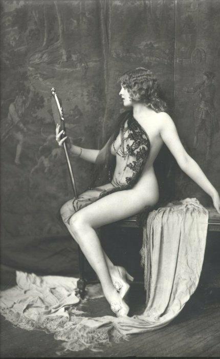 Французские эротические открытки начала прошлого века