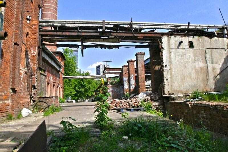 Задворки Бадаевского завода