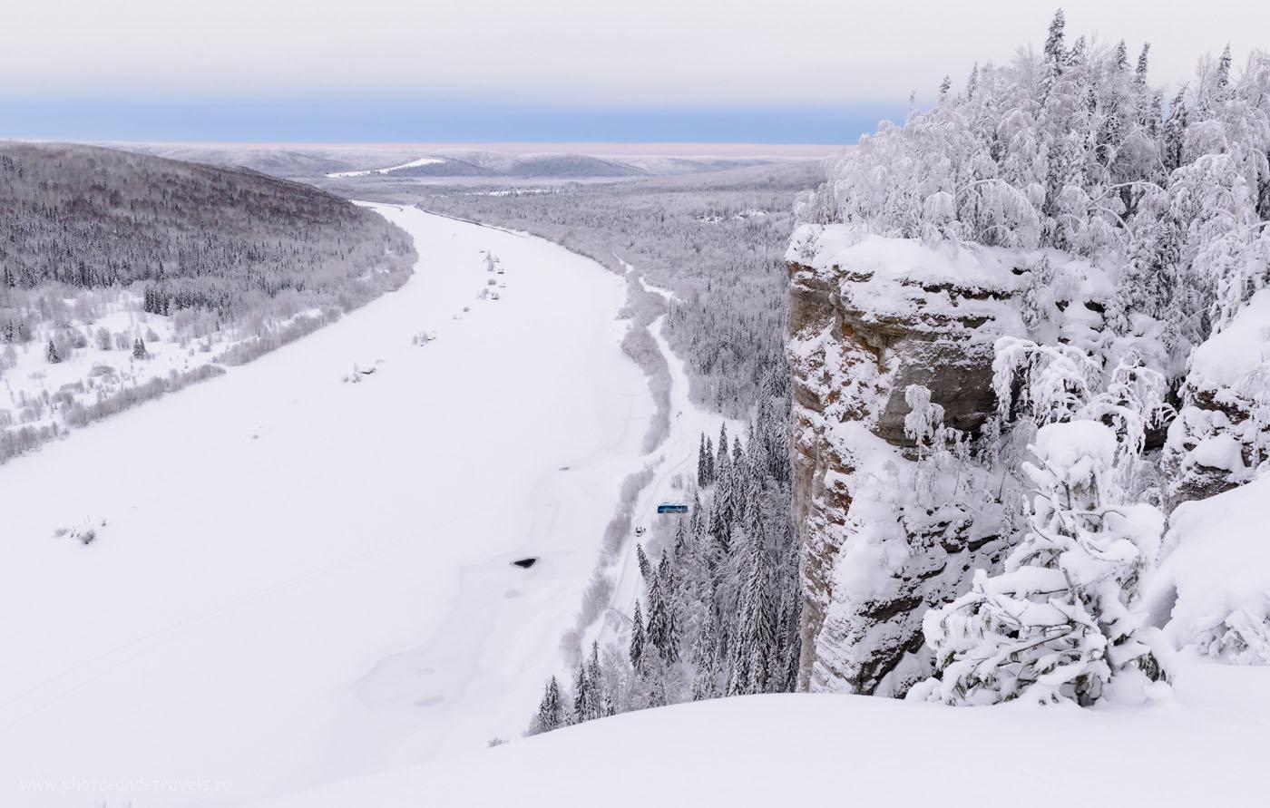 Фото 25. Вид на реку Вишера со смотровой площадки камня Ветлан. Зима – отличное время для организации экскурсии на Северный Урал. 1/150, 8.0, 800, 24.