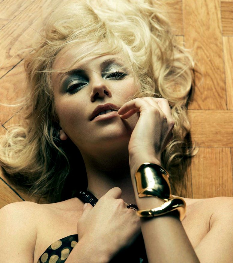Charlize Theron / Шарлиз Терон в журнале GQ Россия, июнь 2012 / фотограф Bruno Dayan