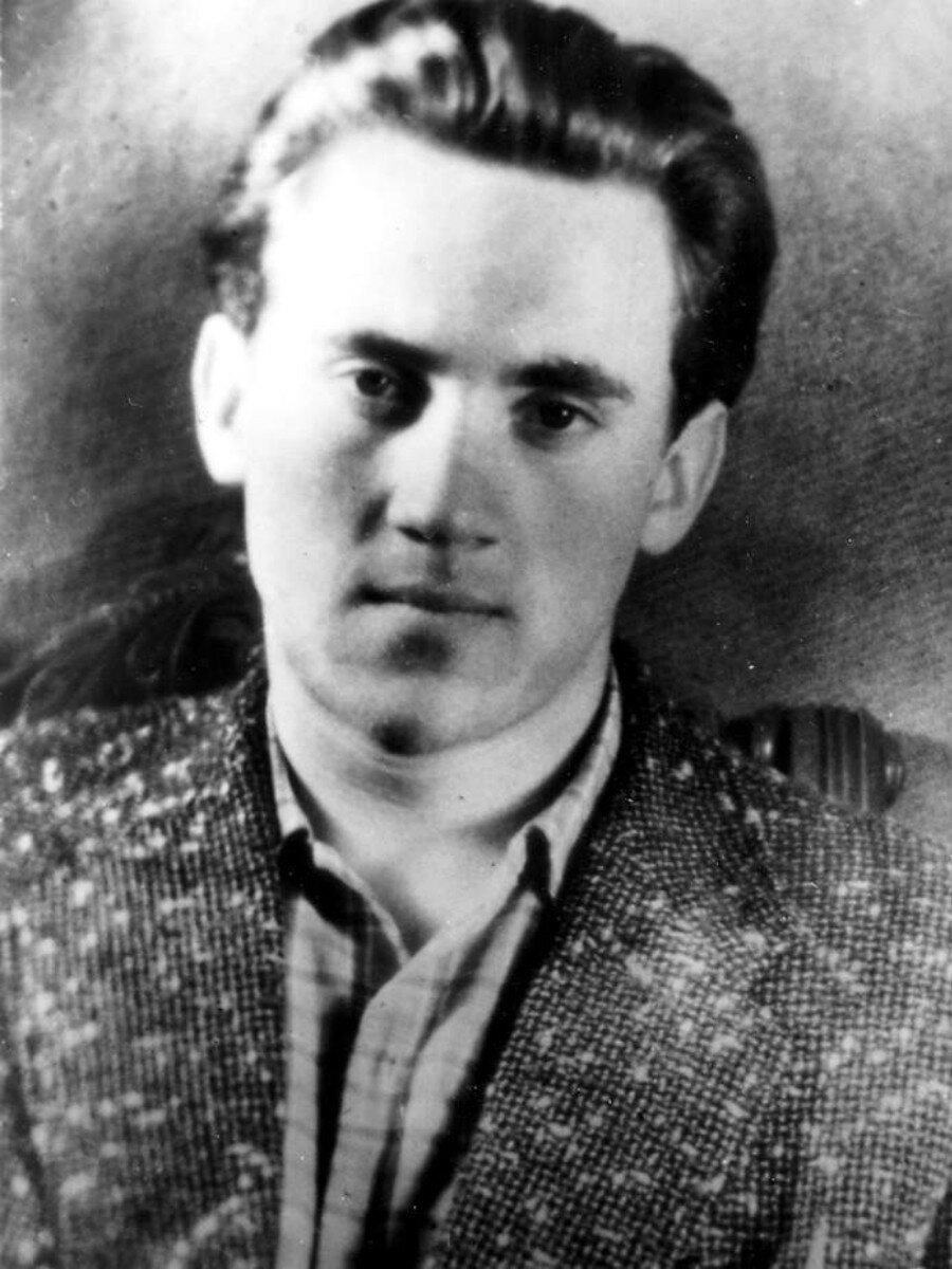 1957. Владимир Высоцкий студент школы-студии МХАТ
