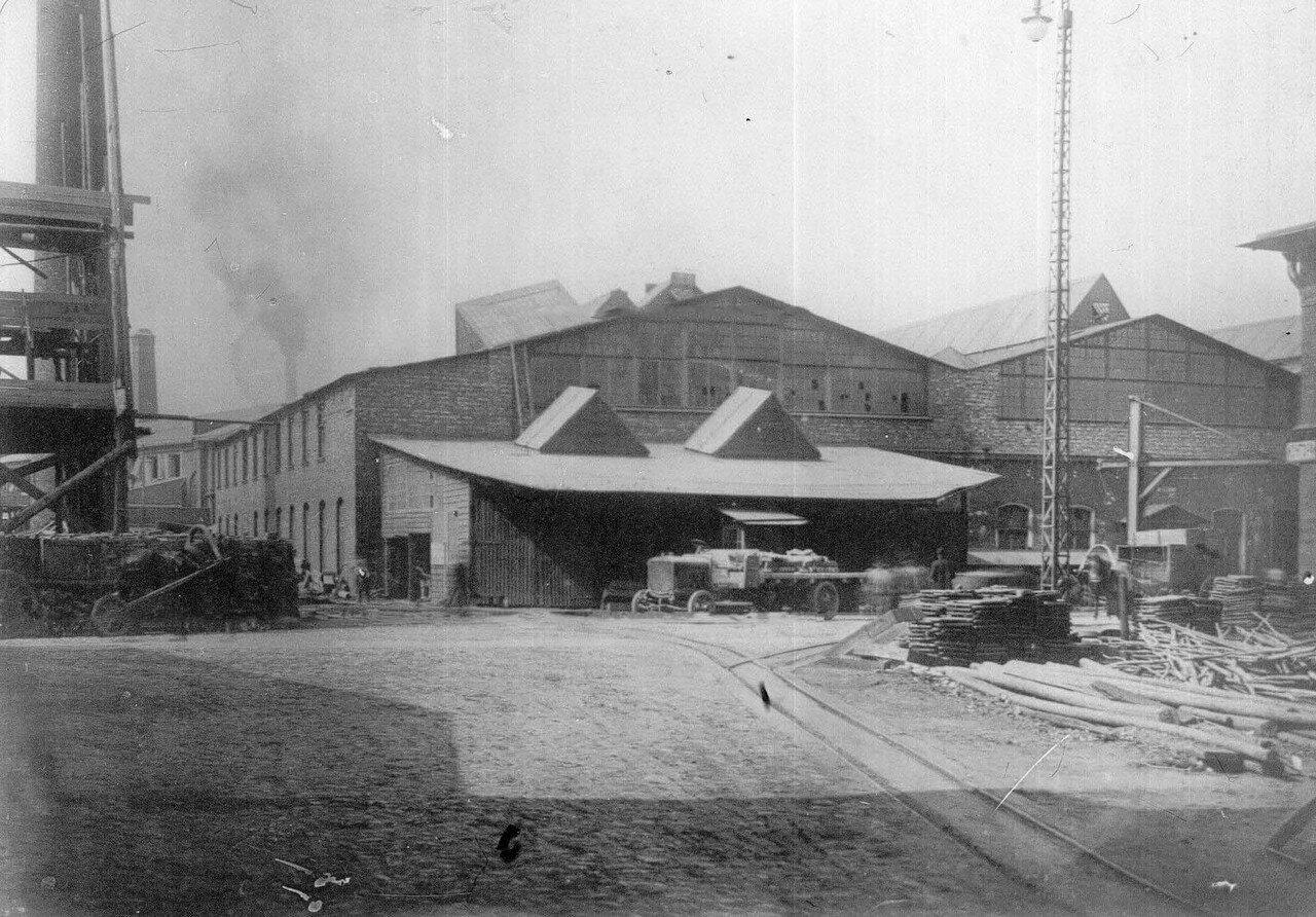 02. Двор завода
