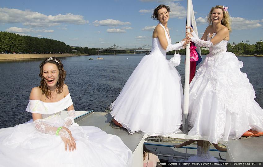 Можно ли примерять свадебное платье незамужней девушке просто так